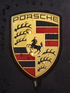 Porsche znak, zdroj: Pixabay
