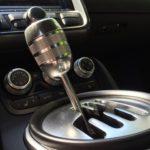 zážitková jízda v Audi R8 - řadící páka