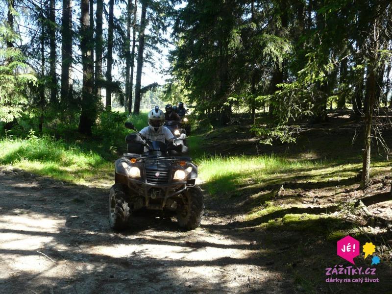 zážitková jízda na čtyřkolce -les