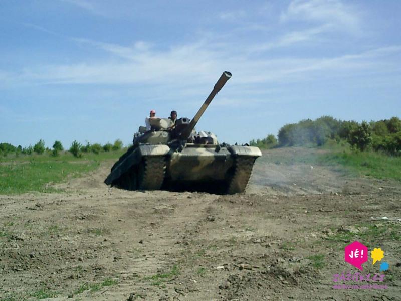 zážitková jízda v bojovém tanku