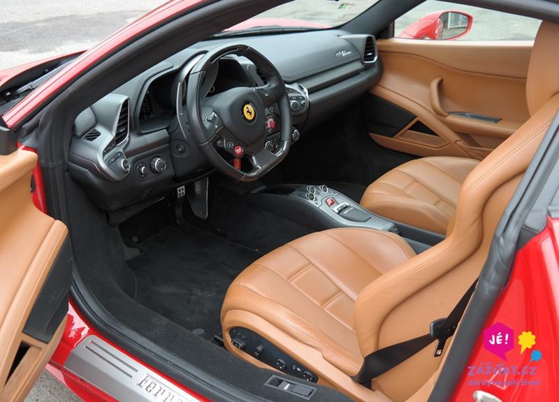 zážitková jízda v Ferrari 458 Italia
