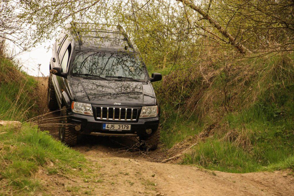 jízda v terénu s Jeep Grand Cherokee WG