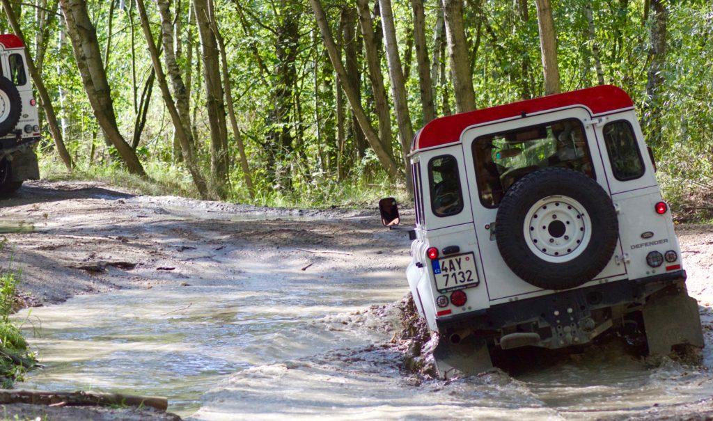 Jízda v terénu s Land Roverem