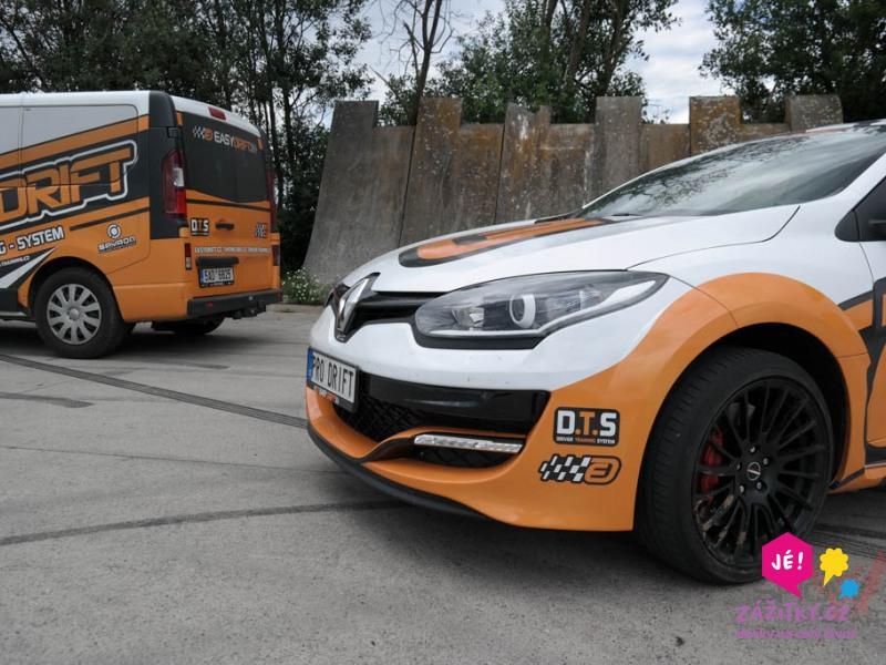 zážitková jízda v Renault Megane RS - předek