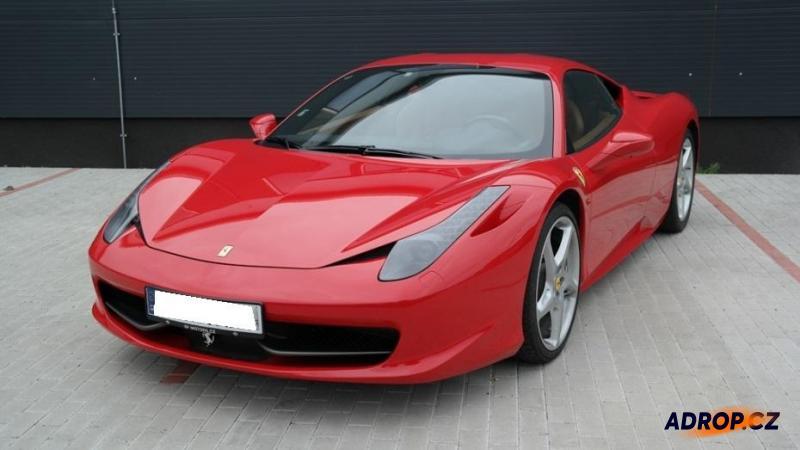 Jízda ve Ferrari 458 Italia probíhá na 7 místech