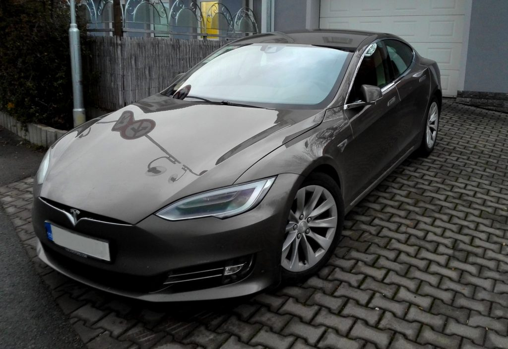 Tesla model S, elektromobil