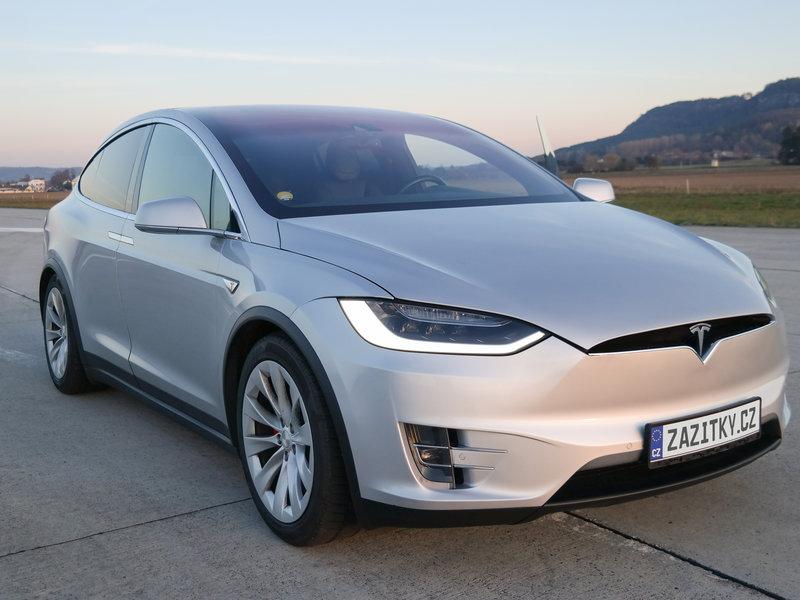 Jízda v elektromobilu Tesla model X