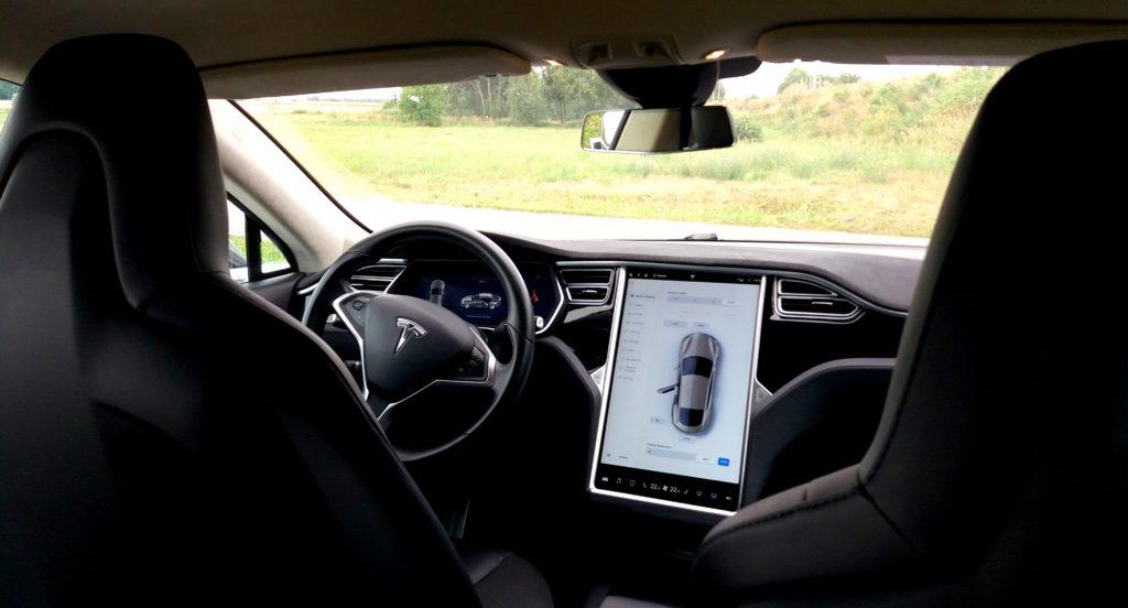 Tesla model X na zážitkové jízdě - interiér