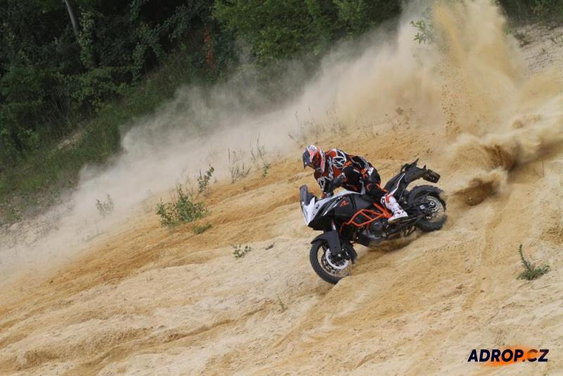 Motorka na enduro trati