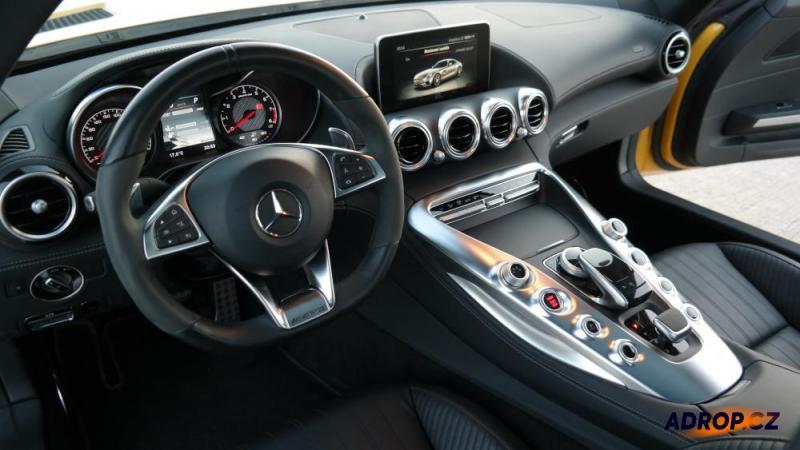 Interiér Mercedesu AMG GTS V8