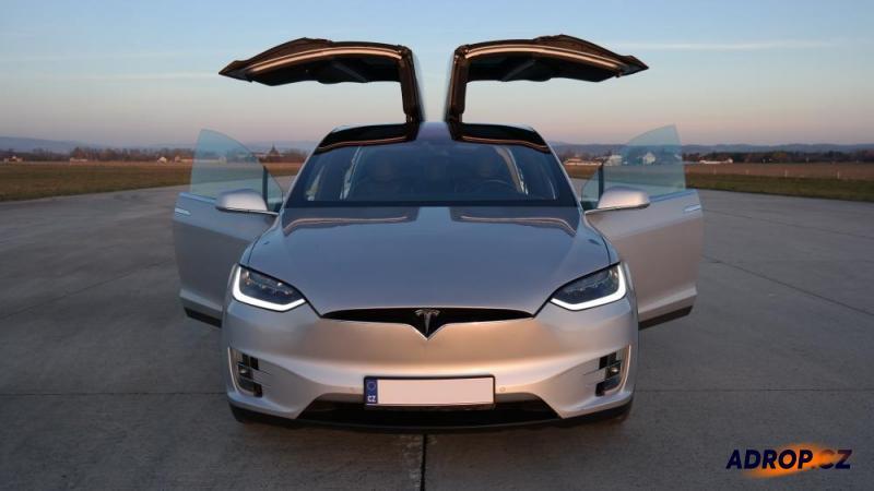 Jízda s Tesla model X