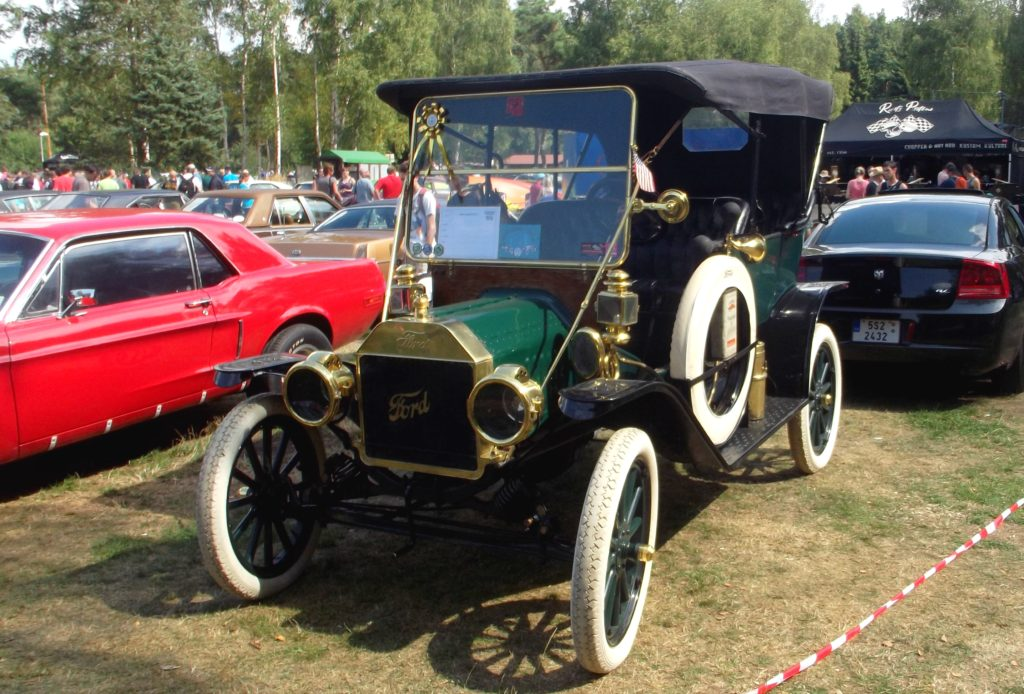 Ford model T na Hradecké V8