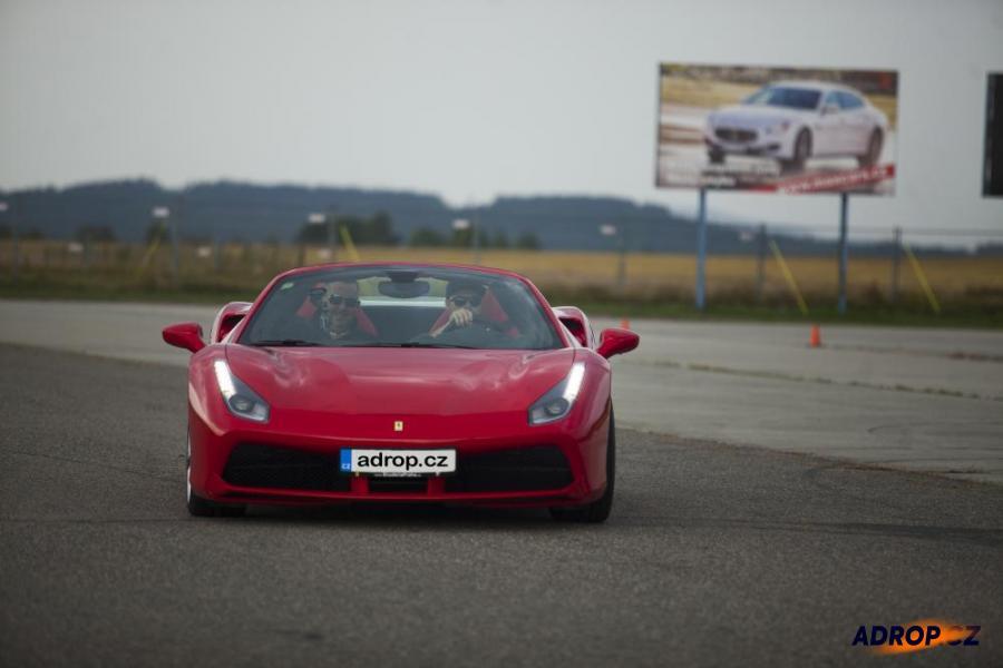 Jízda s Ferrari 458 Italia na okruhu v Příbrami