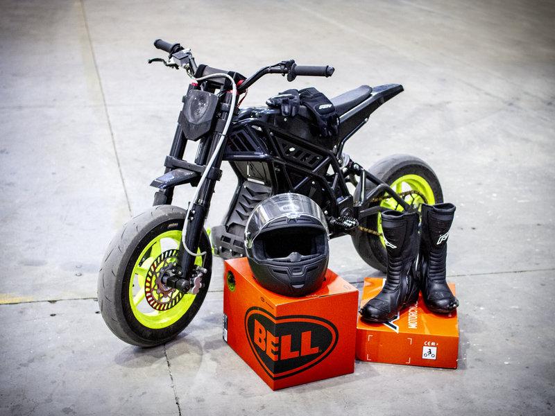 Elektrická motorka E-pit v celé své kráse