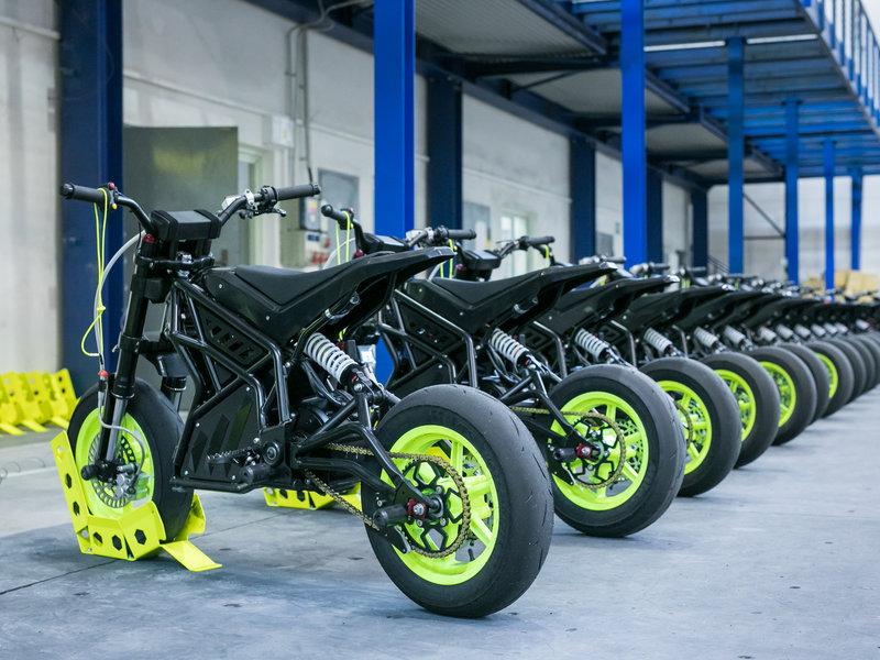 Elektrické motorky připravené k jízdě