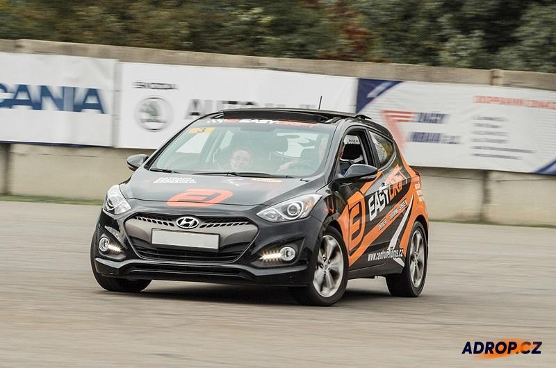 Hyundai v driftu díky Easydrift