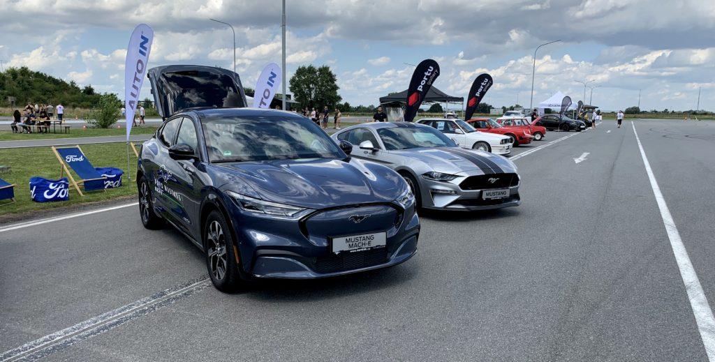 Vozy Ford - Mustang Mach-E a klasický Mustang